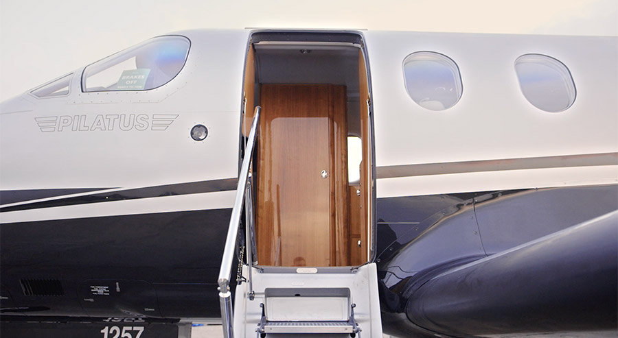 Flexifly aircraft door